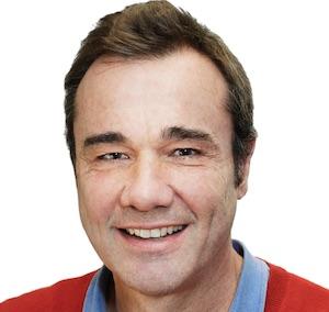 Christian Carles, Développement du réseau d'écoles de langues
